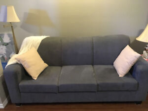 Couch for sale: Need gone by Friday!