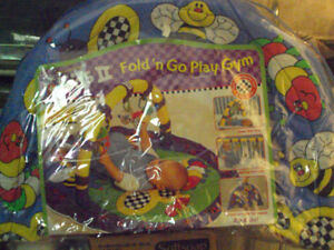 kids 11 fold'n go play gym new in package never used mint