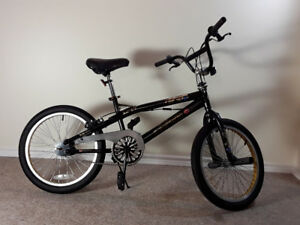 "Like new 20"" Razor XR-07 BMX bike"