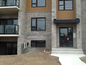 For Rent 2 BDR-4 1/2 Condo Blvd de la Gare-Vaudreuil-Dorion