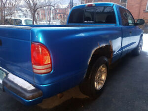 2001 Dodge Dakota Coupe (2 door) as is (169k kms)