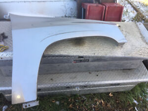 2003 gmc envoy passenger side fender