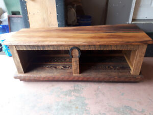 Entrance bench with storage