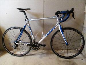 2010 Giant TCX 0 XL (58 cm) w/ upgrades