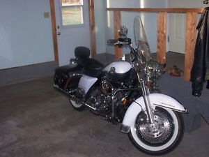 2008 Road King with Reverse for $15,000.00