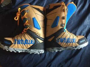 Men's 32 Lashed Snowboard Boots (Size 8)