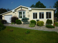 Gorgeous Retirement Home - A Must See! White Lake (Arnprior)