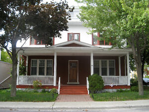 Furnished All-Inclusive Rooms 4 Rent in Elegant Sandy Hill Home