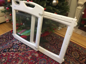 Baby Gate - excellent condition