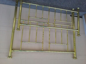 QUEEN SIZE SOLID BRASS BED