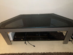 glass top and bottom entertainment center $65.00 519-502-1370