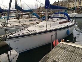 Yacht - Jeanneau Aquila Cruising Yacht