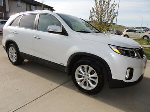 2014 Kia Sorento EX-V6 with Sunroof - For Sale