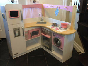 Girls Pink Wooden Kitchen Stratford Kitchener Area image 1