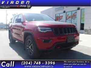 2017 Jeep Grand Cherokee Trailhawk **LEATHER SEATS!! LOW KMS!!**