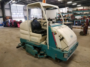 Tennant 8300 floor sweeper and washer