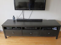 Meuble de TV noir / Black woodTV stand