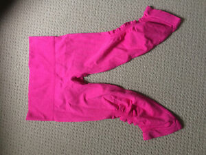 lulu lemon capris-never worn