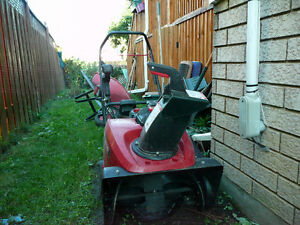 "Sears Craftsman Single Stage SnowThrower 22"" Gatineau Ottawa / Gatineau Area image 1"