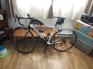 Vélo de route en carbone Trek Domane 4.3c 2016 54 cm