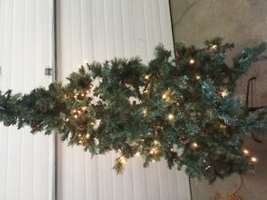 6 ft christmas tree, with working lights.great condition.