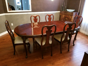 Dining room table and 6 chairs (up to 12 persons)