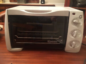 Toaster Oven Broiler from Toastmaster Model 357