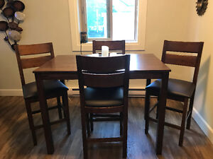 new dining room set - one month old must sell