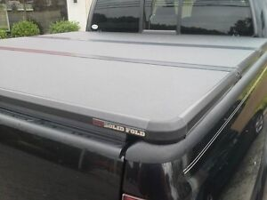Solid Fold Tonneau Cover in great shape