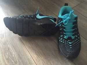 Nike frees! Only worn twice!!