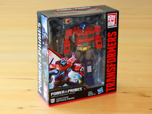New Transformers Power of the Primes Leader Class Optimus Prime