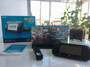 32GB Wii U Deluxe Set in Black + 4 games + 2 extra controllers