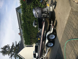 1998 20ft javelin bass boat with 2000 225hp HO Johnston