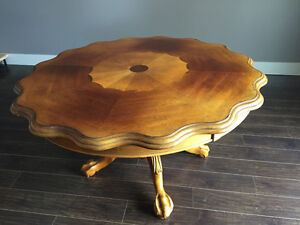 Beautiful solid wood table and 4 chairs