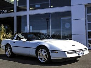 1989-CHEVROLET-CORVETTE-COUPE-W-GLASS-ROOF-SPOTLESS-THROUGH-OUT-FINANCING