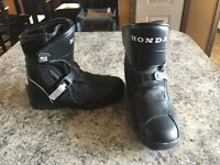 Ladies size 8 Honda Riding Boots