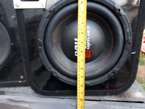 "600w a peice 10""subs in box"