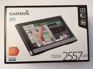 "Garmin nuvi 2557LM 5""Car GPS w/ Free Lifetime Maps update."
