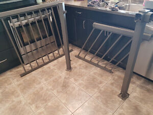 Deck railings in excellent condition