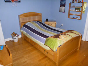 """Weekend blow out"" Reduced twin bedroom set"