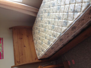 Twin sleigh beds