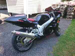 Gsxr 750 SRAD Fuel Injected