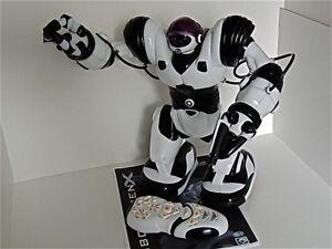 """WOWWEE ROBOSAPIEN X BLACK & WHITE PROGRAMMABLE 14"""" ROBOT"""