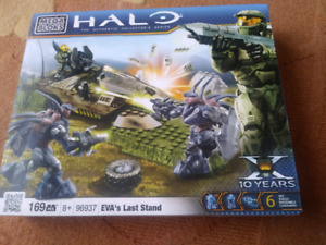 HALO MEGA BLOCKS//169 PCS//BRAND NEW SEALED//15$ WORTH 40$+