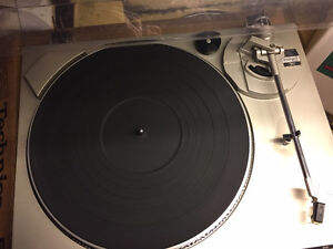 Technics SL- B200 Turntable