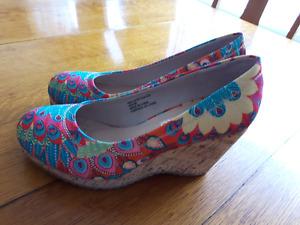 Souliers chaussure pour dames grandeur 38 (ou 8-8.5)