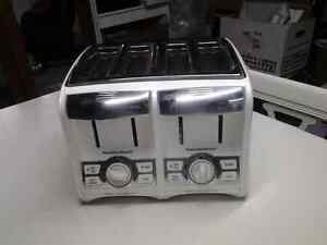 Hamilton Beach 4 slice toaster like new located in Perth