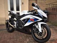 2010 10 (L0) Suzuki GSX-R 750 White/Blue MINT CONDITION 7,000 MILES