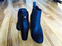 River island black ankle length boots