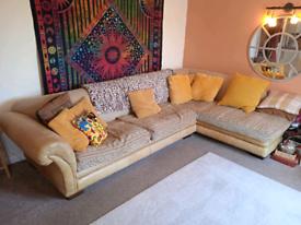Corner sofa/chaise. Seats 4/6 comfy. £80ono. Smoke free home 🙂🏠